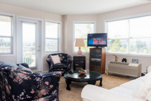 mountainview village Kelowna British Columbia Independent Living suite living room